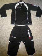 Trainingsanzug Pinocchietto schwarz/weiß v. LEGEA