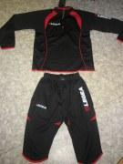 Trainingsanzug Pinocchietto schwarz/ rot v. LEGEA